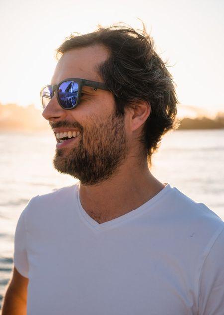 몇 가지만 알면 정말 간단하게 자신의 얼굴에 잘 맞는 선글라스를 찾을 수 있다. [사진 pexels]