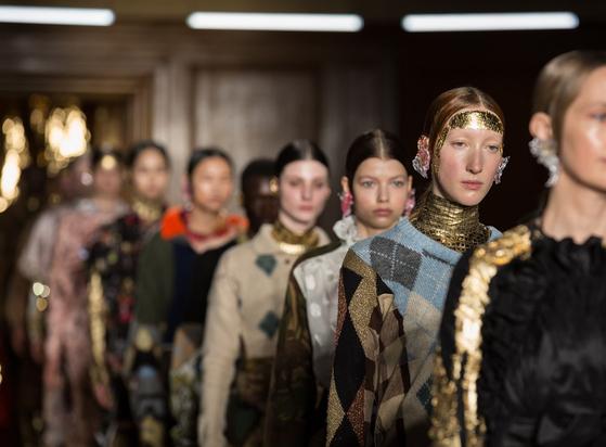 지난 2월 런던 패션위크 기간에 열린 '프린'의 2020 가을겨울 컬렉션 쇼. 사진 영국패션협회