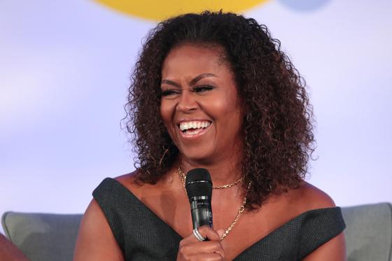 대중적 인기가 매우 높은 미셸 오바마 여사가 최근 민주당 부통령 후보로 부상하고 있다. [AFP=연합뉴스]