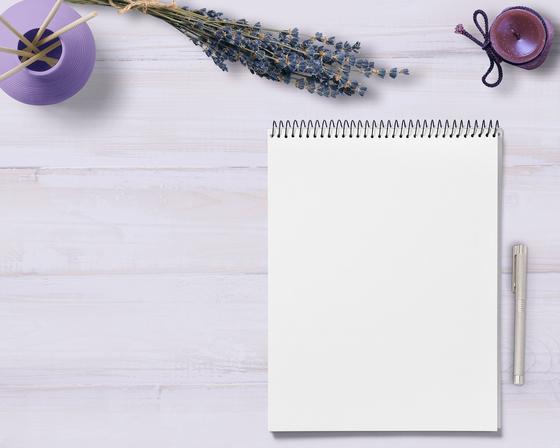 오늘 우연히 그 노트를 펼쳤다. '내가 이런 것도 적었구나' 전혀 기억 못 하는 내 마음이 고스란히 적혀 있다. 그중 한 페이지에는 내가 부모님께 쓴 편지도 기록되어 있다. [사진 Pixabay]