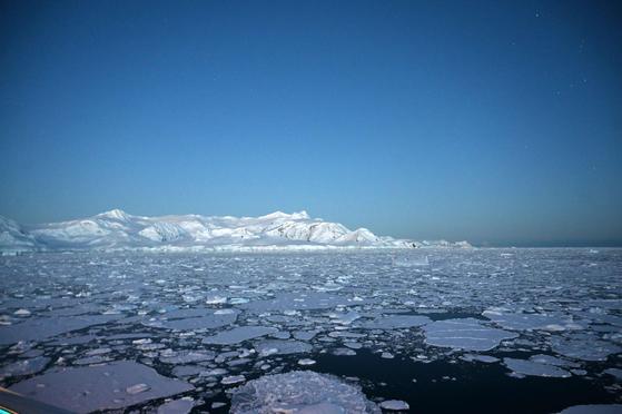 빙하가 빠르게 녹고 있는 남극 사우스셰틀랜드 제도 인근 바다. [AFP=연합뉴스]