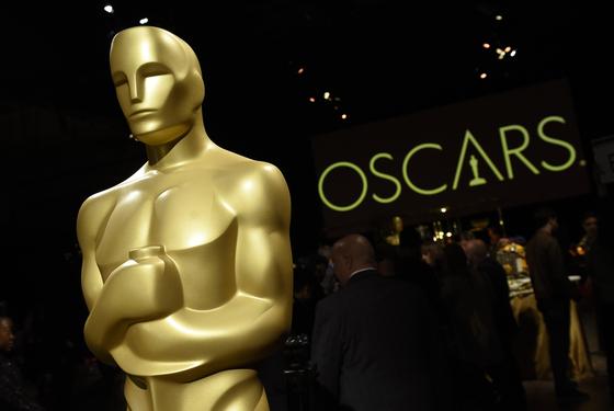 미국 영화예술과학 아카데미가 내년 2월 개최 예정인 93회 아카데미 시상식에 한해 극장에서 상영하지 않은 영화도 오스카상 수상 자격이 있다고 밝혔다. [AP=연합뉴스]