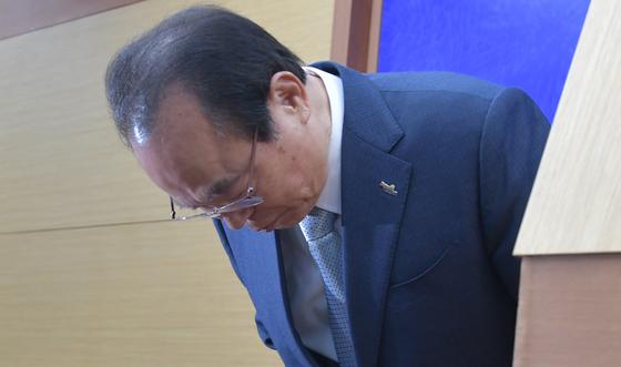 지난 23일 부산시청 브리핑룸에서 사퇴 기자회견할 당시 오거돈 전 시장. 송봉근 기자