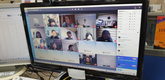 경희사이버대 대학원은 공정한 온라인 시험을 위해 '구루미' 프로그램을 활용해 실시간 감독을 진행하고 있다.(사진. 글로벌한국학전공 2020학년도 1학기 전공시험)