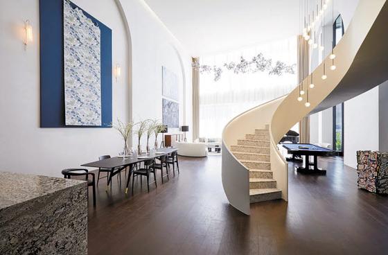 상위 0.1%의 독보적 하이엔드 주거 브랜드 ACRO의 확장된 비전과 주거 철학을 담아낸 콘셉트 하우스.