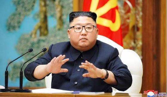 지난 12일 조선중앙통신은 김정은 북한 국무위원장이 노동당 정치국 회의를 열고 신종 코로나바이러스 감염증(코로나19) 대응방안 등을 논의했다고 전했다. [중앙통신 홈페이지 캡처=연합뉴스]