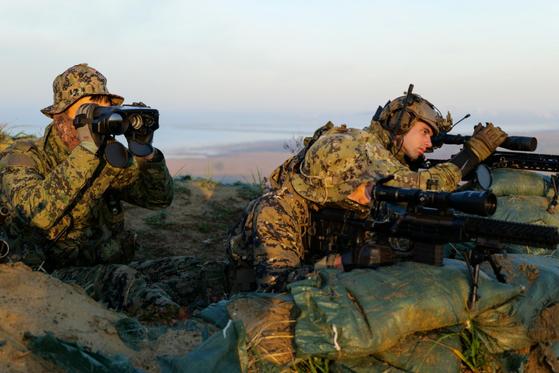 지난 12월 주한미군 군산 공군기지에서 이뤄진 한국 특수전사령부와 주한미군의 훈련 모습. [미국 국방부 홈페이지 캡처=뉴스1]
