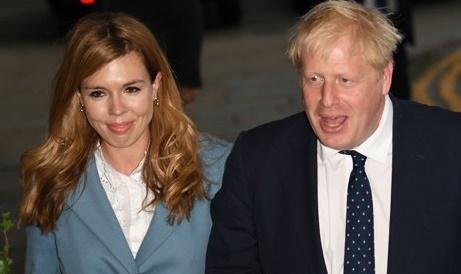 보리스 존슨 영국 총리와 그의 약혼녀 캐리 시먼즈. AFP=연합뉴스