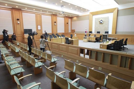 부산지법 301호 법정 내부모습. 중앙포토