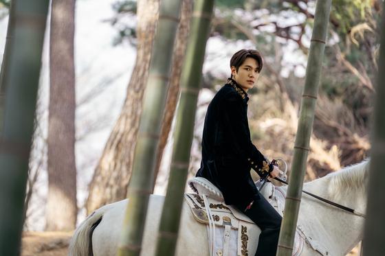 '더 킹: 영원의 군주'에 등장한 부산 기장의 아홉산숲. 대한제국 황제 이곤(이민호)이 이곳의 대숲을 거쳐 다른 차원의 대한민국으로 이동한다. [사진 각 업체]