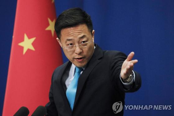"""자오리젠 중국 외교부 대변인은 """"시진핑 주석이 1월 21일 WHO 사무총장과 통화한 적이 없다""""면서 독일 슈피겔 보도가 사실이 아니라고 부인했다. [연합뉴스]"""