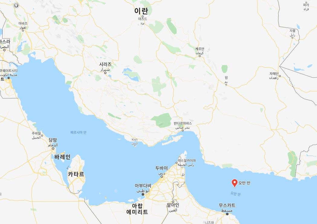이란 해군 오인사격이 발생한 오만만. 사진 구글지도