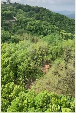 DMZ 인근에 설치된 항공기 월경 방지 경고 표지판. [사진 유엔사 페이스북 캡처=연합뉴스]