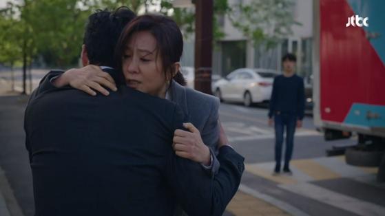 16일 비지상파 드라마 최고 시청률 28.4%을 기록하며 종영한 '부부의 세계'. [사진 JTBC]