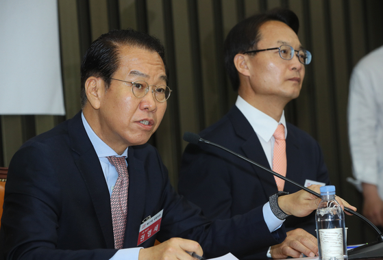 권영세 미래통합당 당선인(왼쪽). 연합뉴스