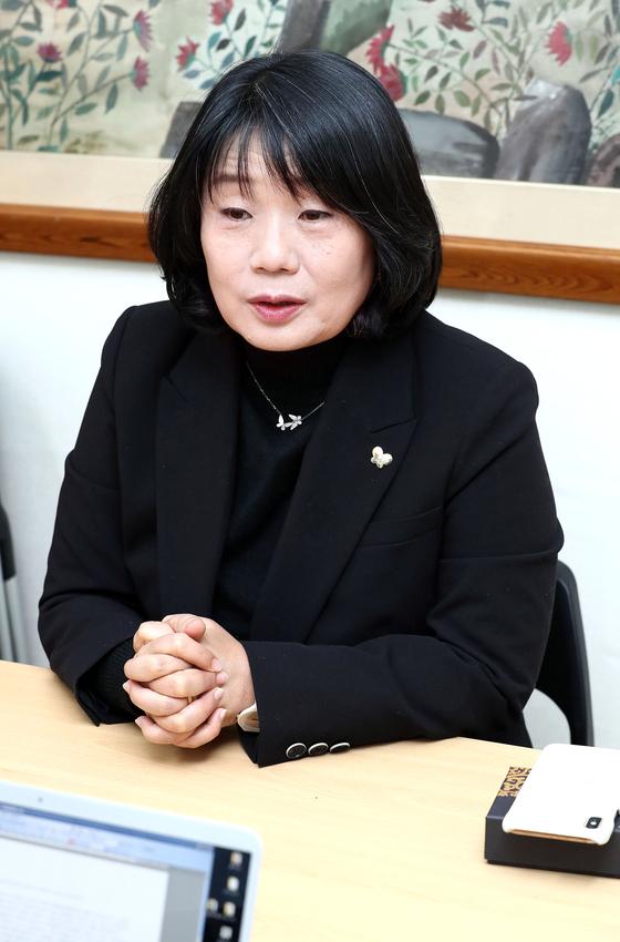 윤미향 정의기억연대 이사장이 마포구 정의기억연대 사무실에서 연합뉴스와 인터뷰하고 있다. 연합뉴스