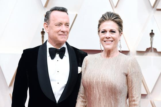 톰 행크스와 그의 아내 리타 윌슨. 이들은 코로나19에 감염됐다가 회복했다. [AP=연합뉴스]