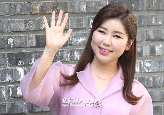 가수 송가인.