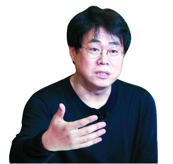 김경율 전 참여연대 공동집행위원장이 3월 중앙일보 본사에서 인터뷰하고 있다. 우상조 기자