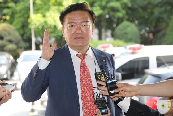 21일 의정부지검에 출석한 민경욱 미래통합당 의원. 연합뉴스