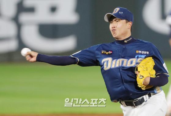 지난 시즌 불펜 전환 후 올 시즌에도 짠물투를 펼치고 있는 NC 박진우. IS포토