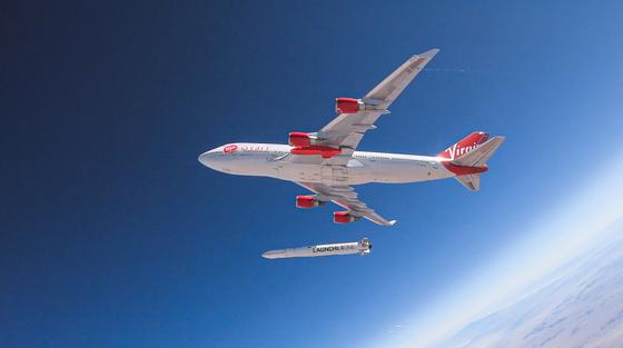 747기에서 투하되는 런처원 로켓 [사진 Virginorbit.com]