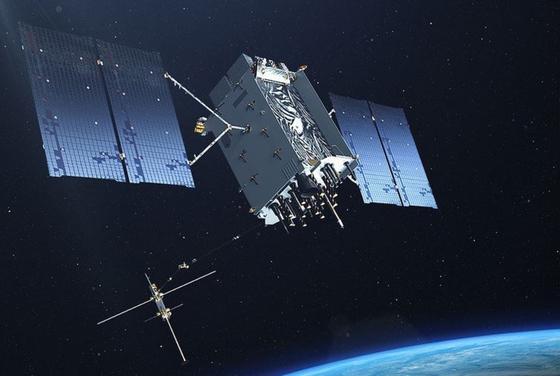 미군에게 위치, 타이밍 등의 정보를 제공하는 핵심 자산 GPS 위성 [사진 미 공군]