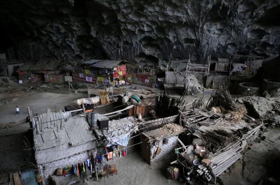 구이저우(貴州)성의 안순(安順)시 인근의 '중동(中洞·가운데 동굴이라는 의미)' ⓒLea Li/SCMP