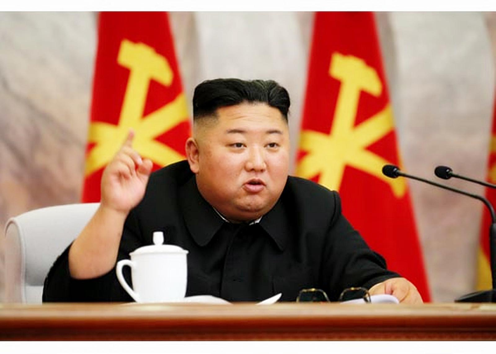 북한은 김정은 국무위원장이 주재한 가운데 당 중앙군사위원회 제7기 제4차 확대회의를 열었다고 북한매체들이 24일 보도했다. 사진은 회의를 주재하며 발언하고 있는 김정은 국무위원장. 사진 노동신문 홈페이지 캡처