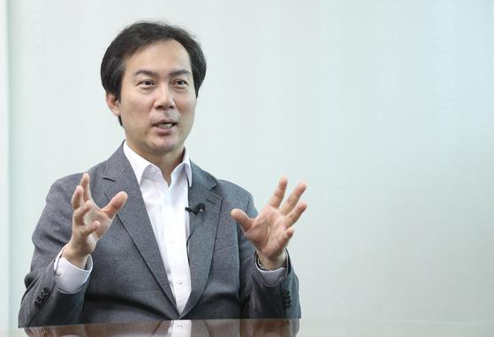 김영우 미래통합당 의원이 14일 오전 국회 의원회관에서 중앙일보와 인터뷰하고 있다. 임현동 기자