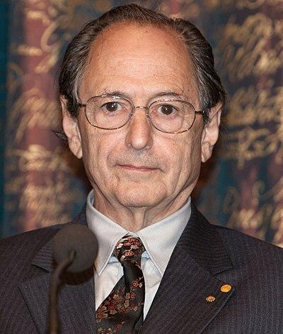 스탠퍼드대학의 생물물리학자 마이클 레빗. 위키피디아