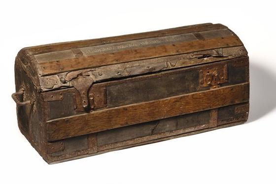 마리 앙투아네트 '여행용 가방' 경매서 고가 낙찰