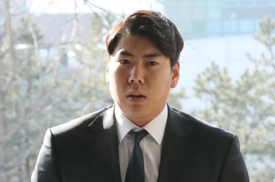 비판 여론 예상?…강정호 국내 복귀시 연봉 환원하겠다 약속