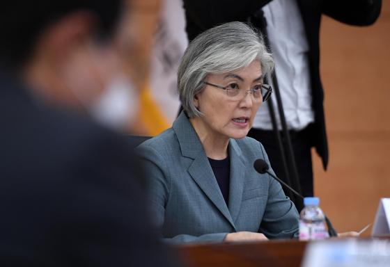 홍콩 보안법 통과, 한국 영향은 제한적, 일본 깊은 우려