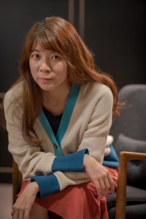 영화 '침입자'로 장편 데뷔한 손원평 감독을 지난달 29일 서울 삼청동 카페에서 만났다. [사진 에이스메이커무비웍스]