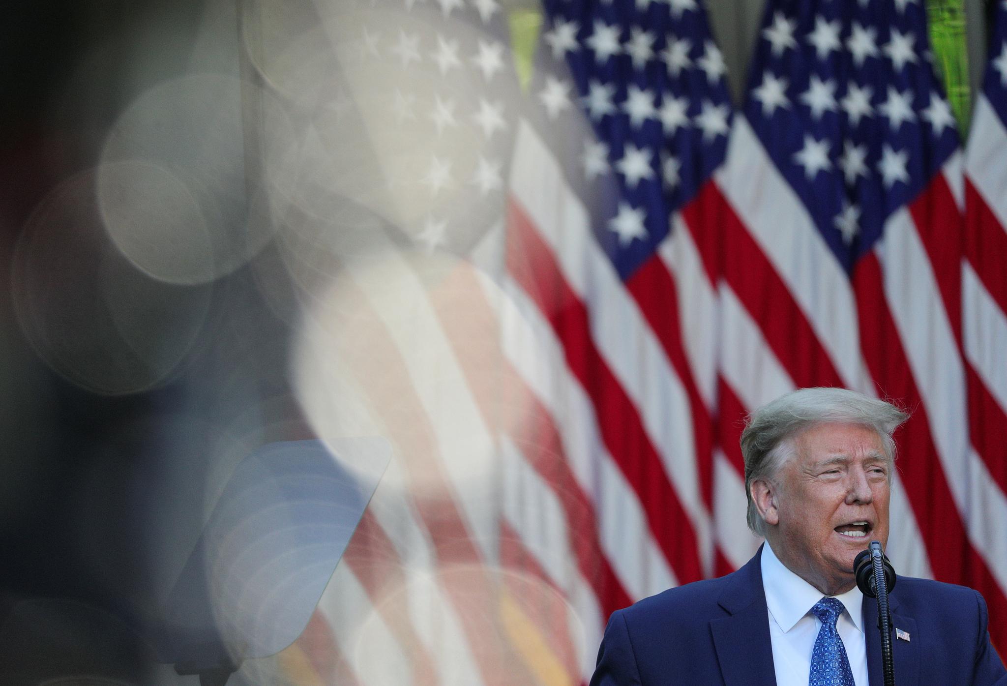 도널드 트럼프 미국 대통령이 1일(현지시간) 백악관 로즈가든에서 기자회견을 하고 있다. [로이터=연합뉴스]
