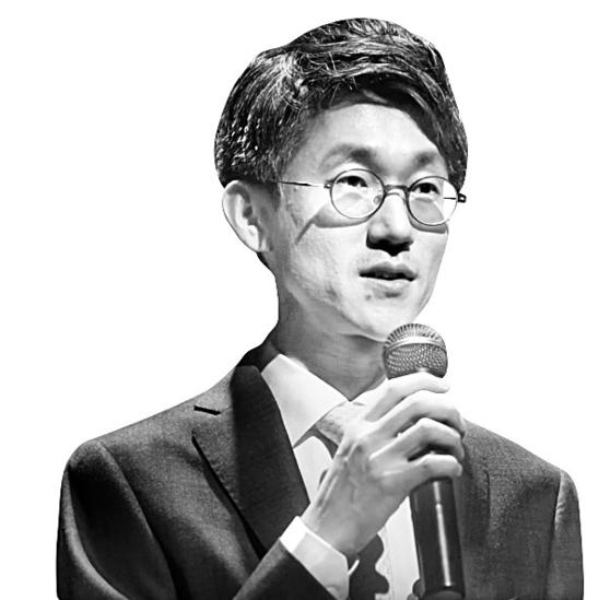 천경득 전 청와대 선임행정관이 2016년 1월 정의당 시민정치위원회가 마련한 행사에서 '진보가 선거에서 지는 이유'라는 주제로 강연하고 있다. [정의당 유튜브 캡처]