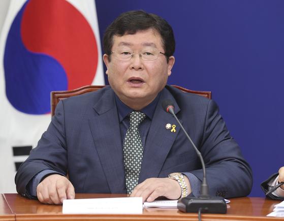 더불어민주당 설훈 최고위원이 20일 오전 국회에서 열린 최고위원회의에서 발언하고 있다. 임현동 기자