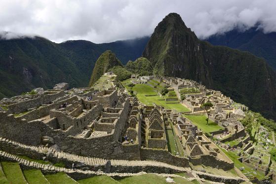 페루 고산지대인 쿠스코 인근 유적지 마추피추. 쿠스코에서 코로나19 확진 사례는 916건으로 감염률이 전국 평균 20% 이하다. [AFP]