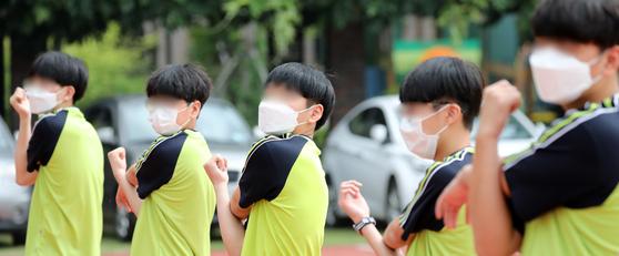 서울 학생, 내년 고입 때 봉사시간 성적 반영 안 한다