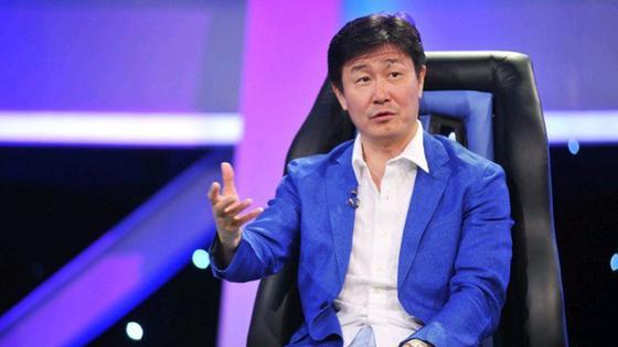 중국 축구의 전설로 여겨지는 하오하이둥이 지난 4일 갑작스레 중국 공산당을 격렬하게 비판하며 새로운 중국을 건설해야 한다고 주장해 중국 사회에 커다란 충격을 주고 있다. [중국 웨이보 캡처]