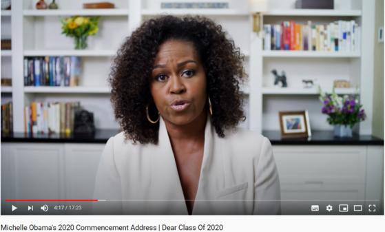 미셸 오바마 전 영부인이 7일(현지시간) 올해 졸업하는 대학·고등학교 졸업생을 위한 축사 영상을 남겼다. [유튜브 캡처]