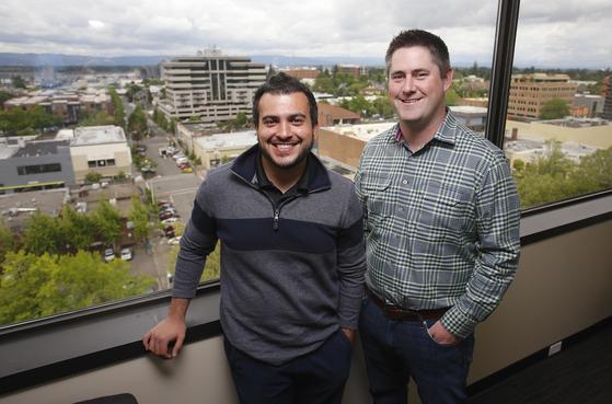 줌인포 공동창업자인 헨리 셔크(왼쪽) CEO와 커크 브라운 CIO
