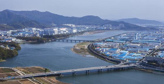 경북 구미시 구미국가산업단지 전경. 중앙포토