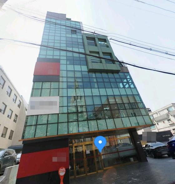 B씨가 자신이 운영하는 ○○○엔터테인먼트 주소로 지목한 빌딩. 그러나 현재 찾아가 보면 사무실을 찾을 수 없다. 카카오맵