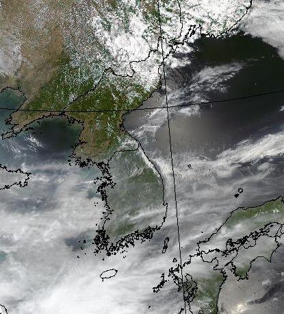환경의 날인 지난 5일 미 항공우주국(NASA) 위성이 촬영한 한반도 주변. 기상청 제공