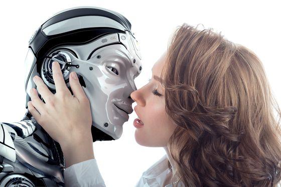 인공지능이 고도화되면서 인간과 공감을 나누는 경우에 대한 윤리적 문제를 제기하는 목소리가 높아지고 있다. [사진 셔터스톡]