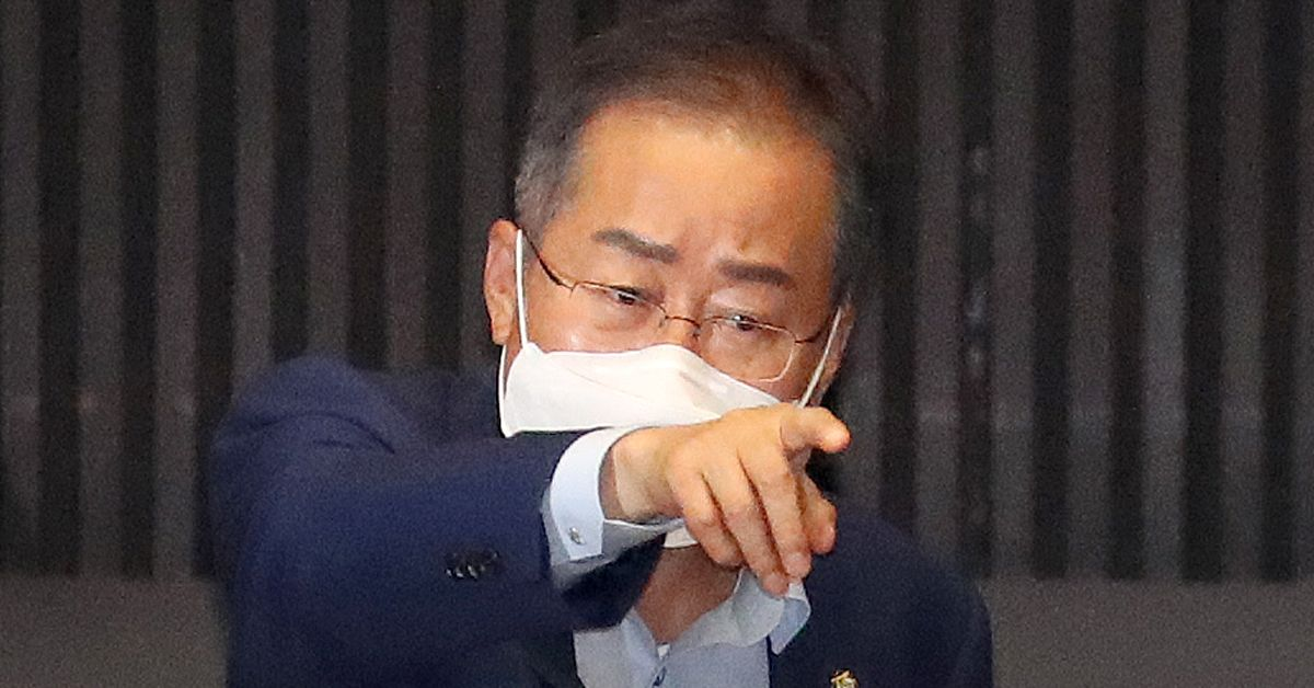 지난 10일 오후 국회 본회의에서 출석한 무소속 홍준표 의원. 연합뉴스