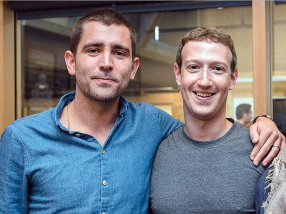 크리스 콕스 전 CPO(왼쪽)와 마크 저커버그 CEO