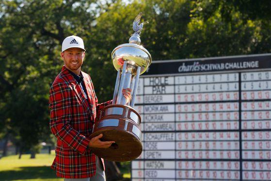 찰스 슈와브 챌린지에서 3년 만에 PGA 투어 정상에 오른 대니얼 버거. [AFP=연합뉴스]